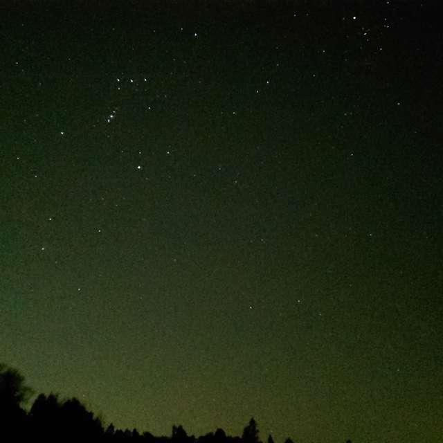 オリオン座のある夜空