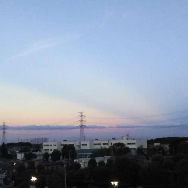 雲は並び、海のようになりました。