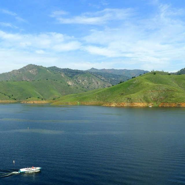 Boating On Lake Kaweah