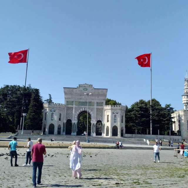 İstanbul University