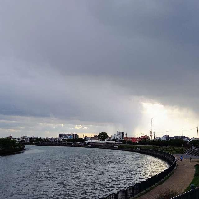 雨雲がやって来た