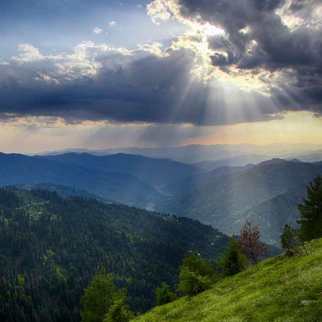 Beutiful Sunryas from clouds