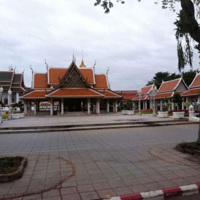 tample in bangkok