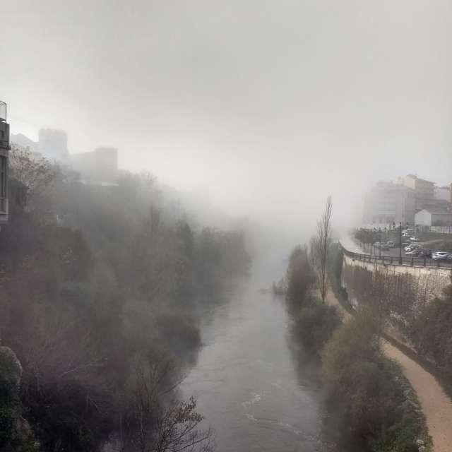 Niebla sobre río Sil.