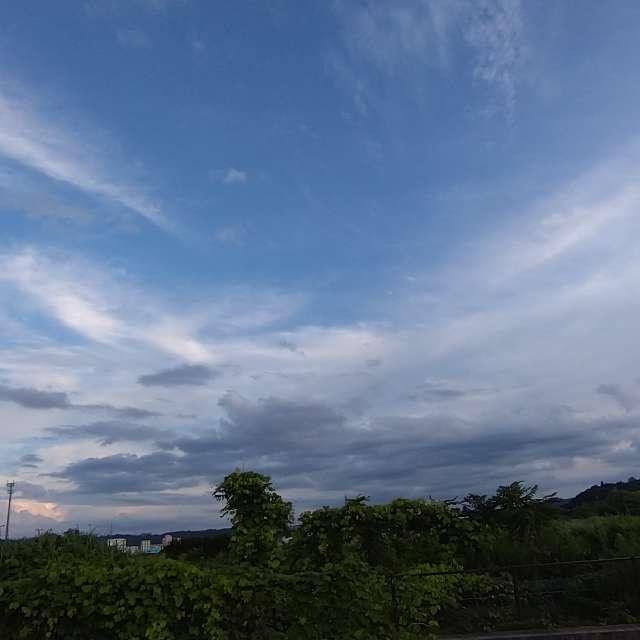 夕暮れの青空