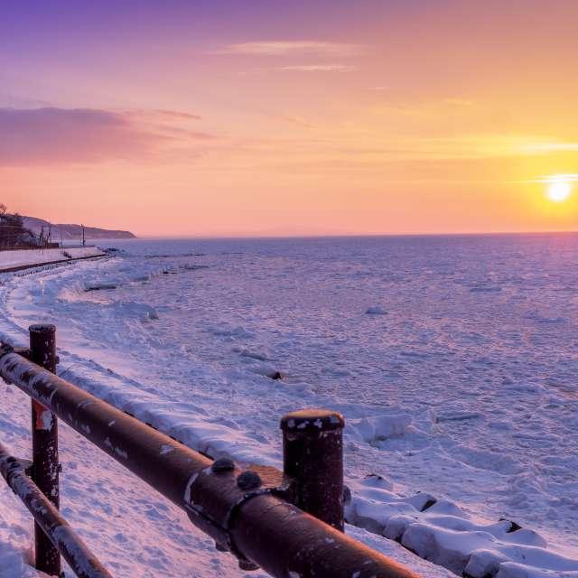斜里町の海岸より。っぽくないけど流氷、初めて見ると圧巻です。