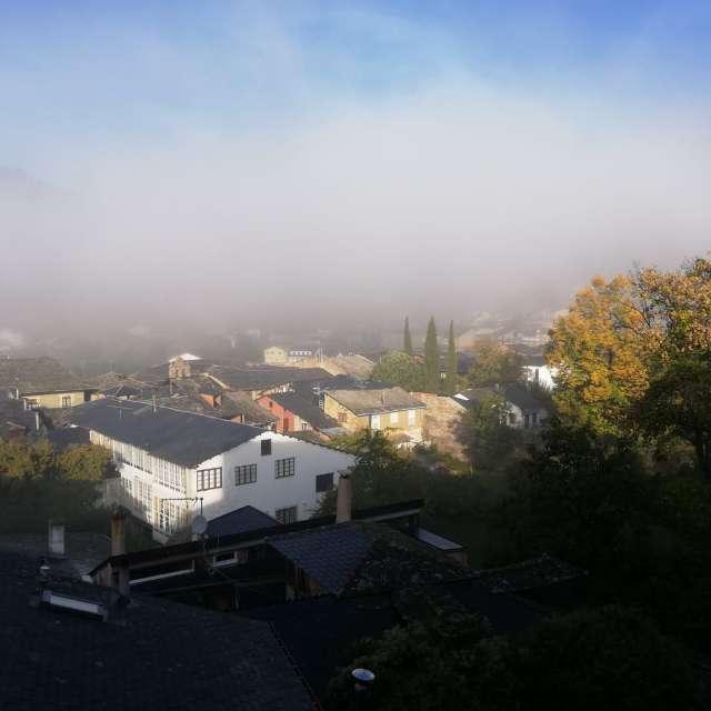 Nieblas cubren Villafranca