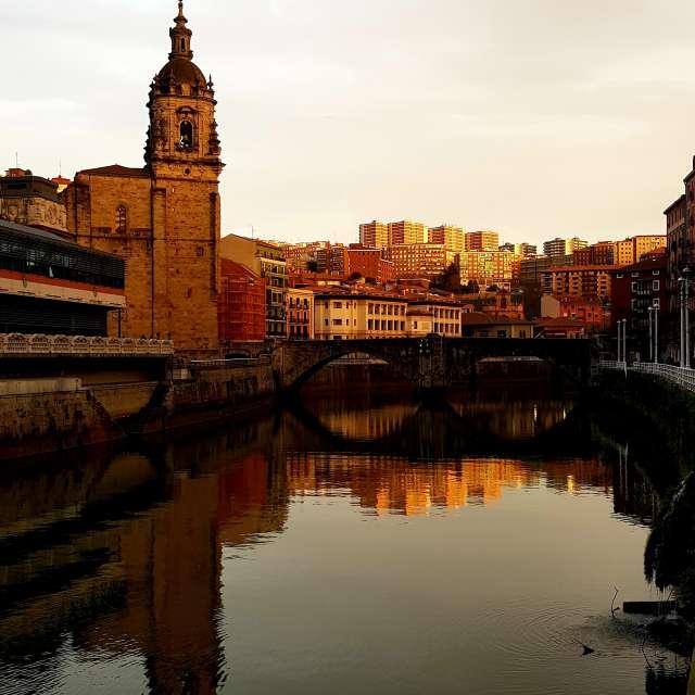 Iglesia/puente St.Antón Bilbao
