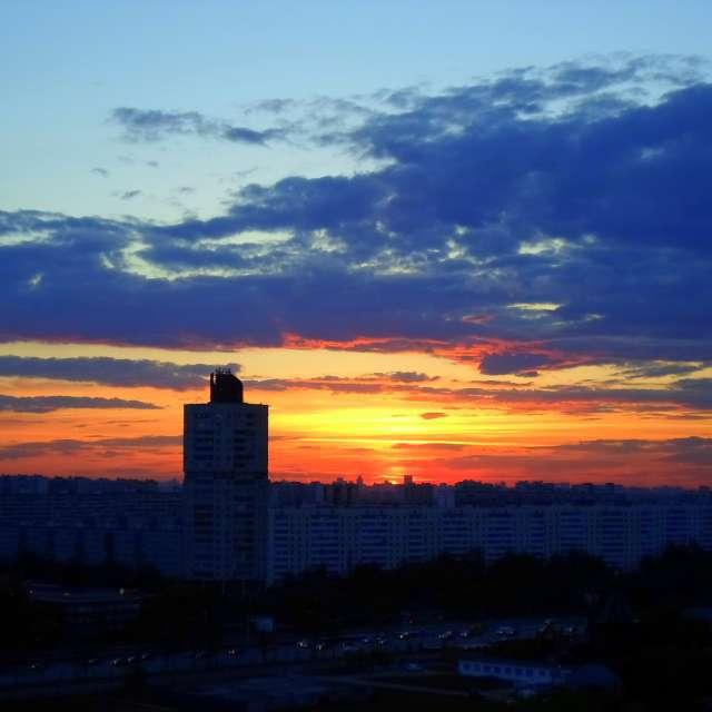 Оранжево-синий закат