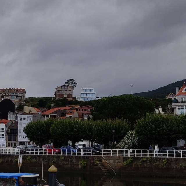 Dársena y puerto de Carril.