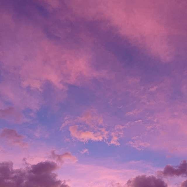 嵐の前の夕空