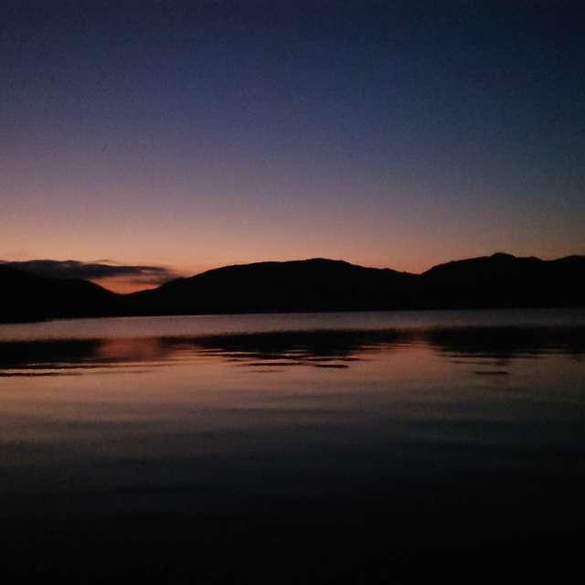 中禅寺湖菖蒲が浜より夜明け前