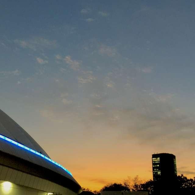 東京ドームの夕景