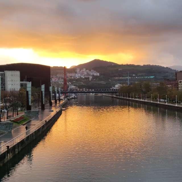 Atardecer en Bilbao
