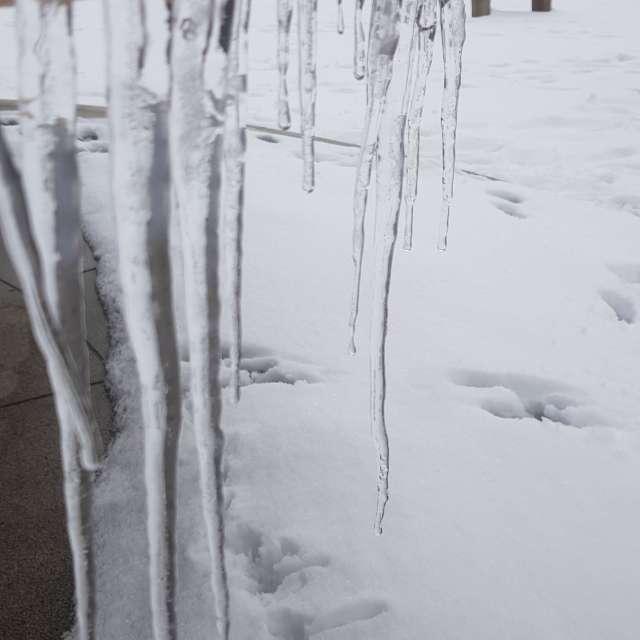 Eiszapfen am Kloster Tegernsee