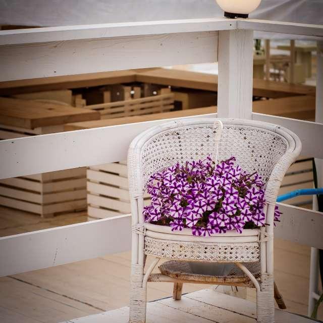 white wicker garden chair
