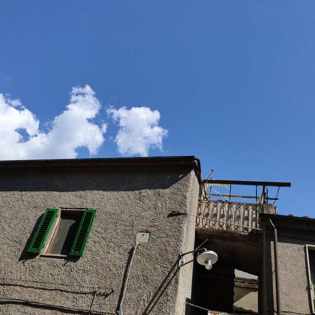 Oltre ai tetti