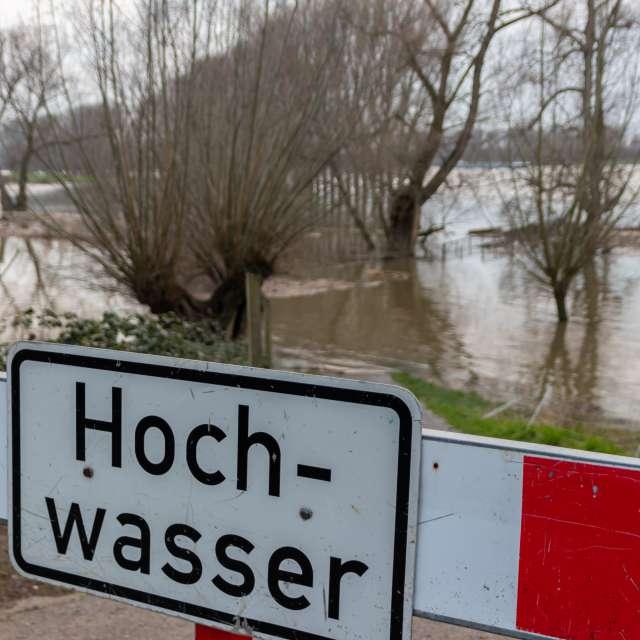 German sign warns of high tide