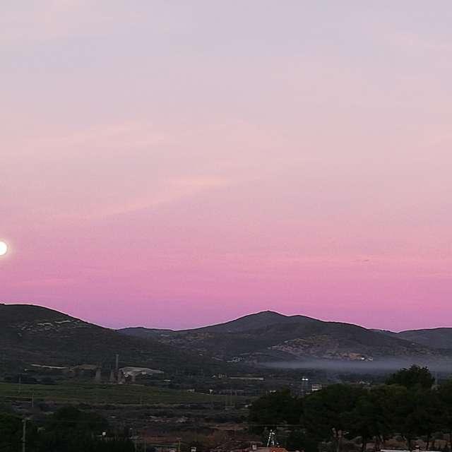 Puesta de luna amanecer