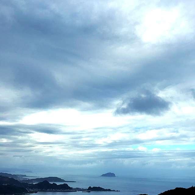 雲にはどんな芸術家でもかなわない