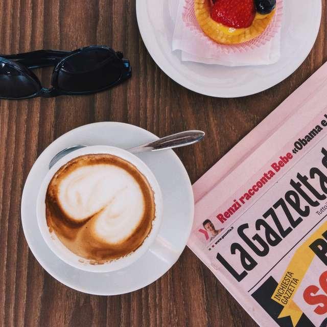 Italian colazione (breakfast)