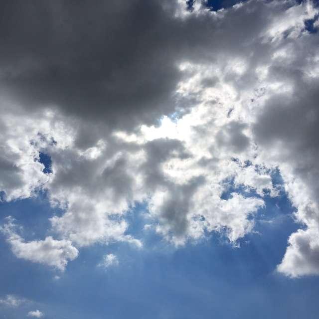 雲間からの光彩