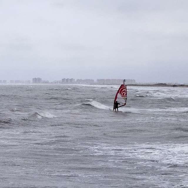 Playa torre derribada.