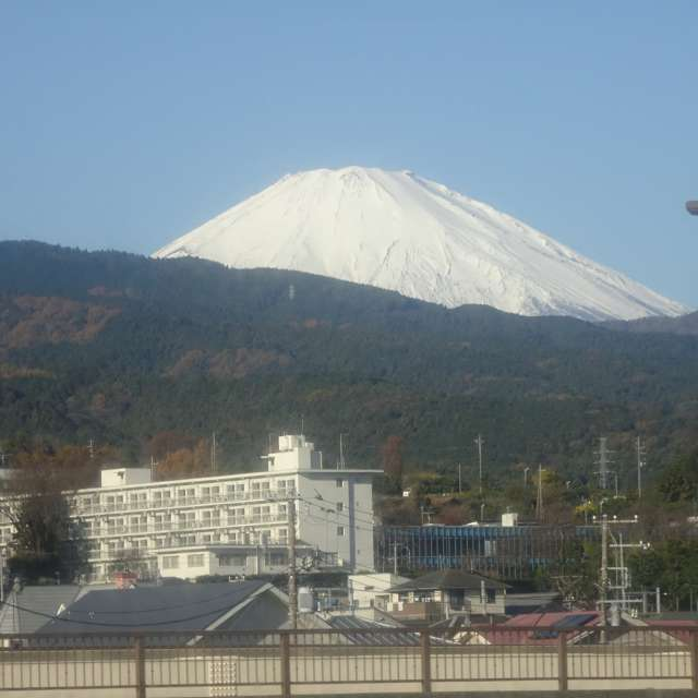 真白な富士山