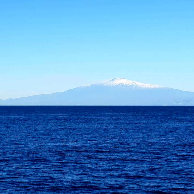 Etna snow