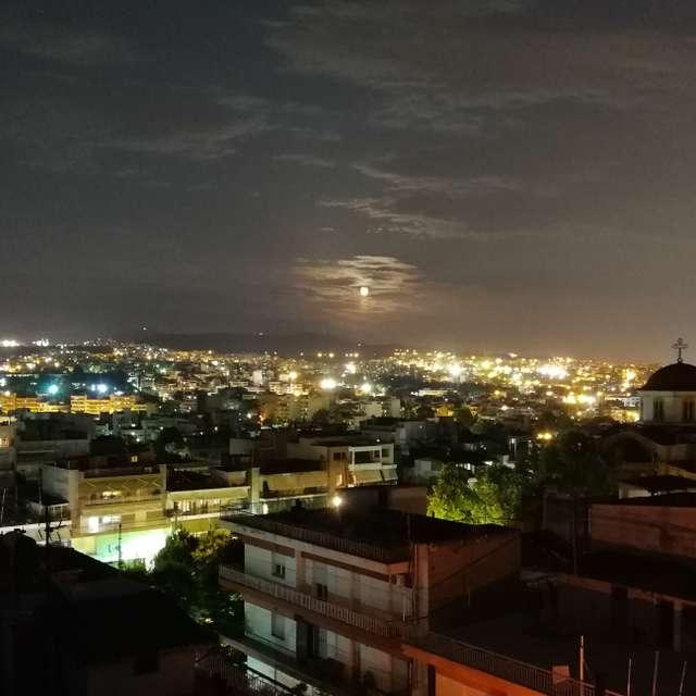 city night with full moon