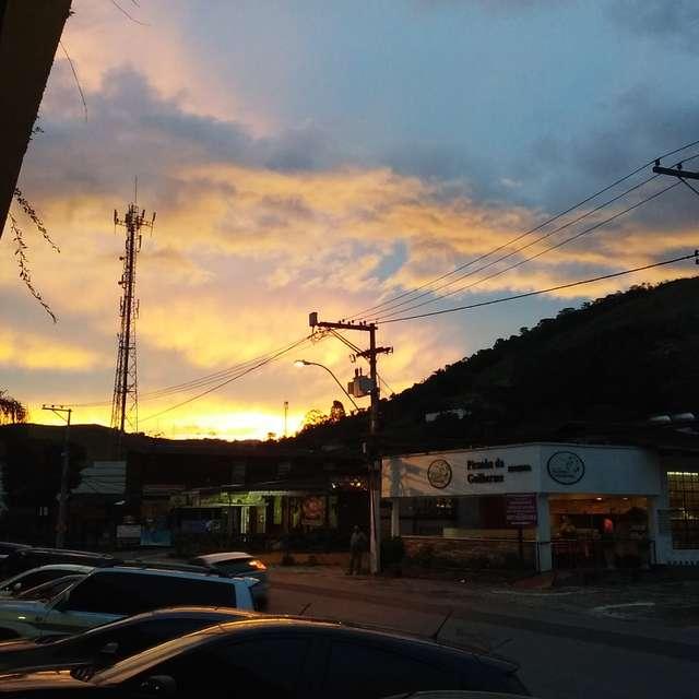 Entardecer em Itaipava