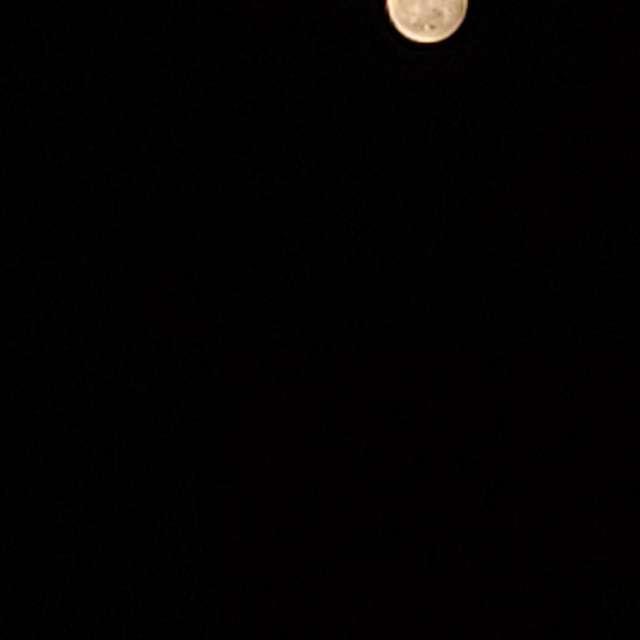 Luna llena tras eclipse.