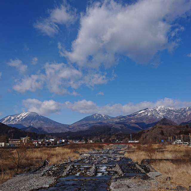 大谷川より日光連山を望む