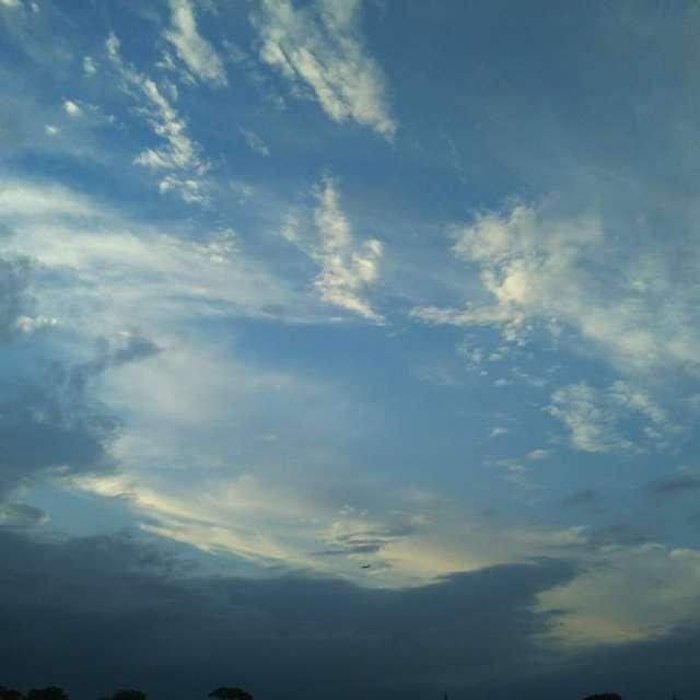 空をかき混ぜる