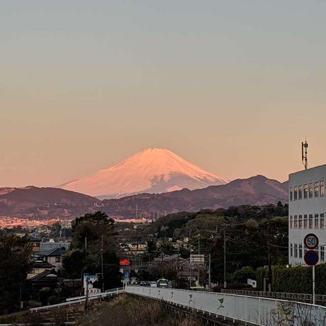 富士山の夜明け