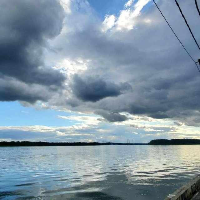 Camas, Cloudy evening
