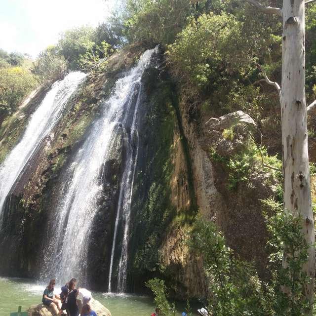 это водапады на горах Израиля.