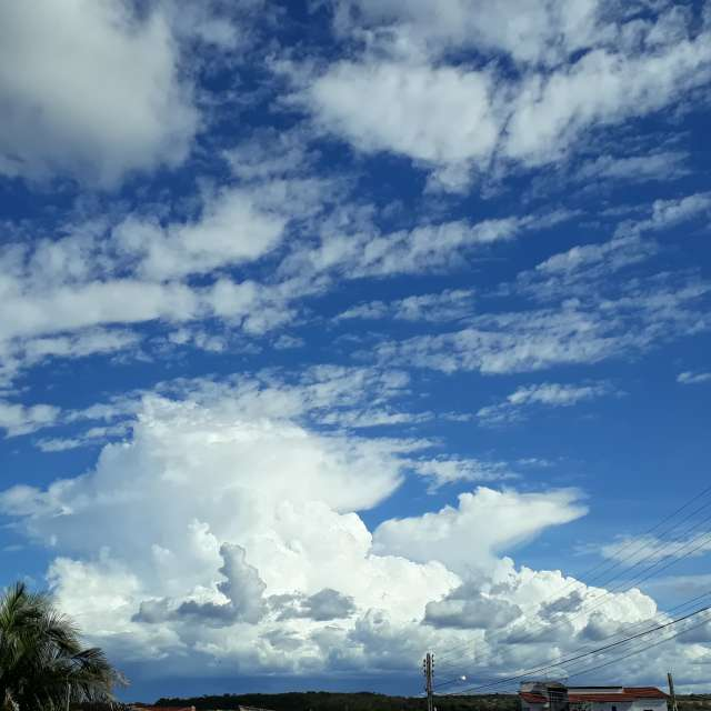 Grandes nuvens de tempestade