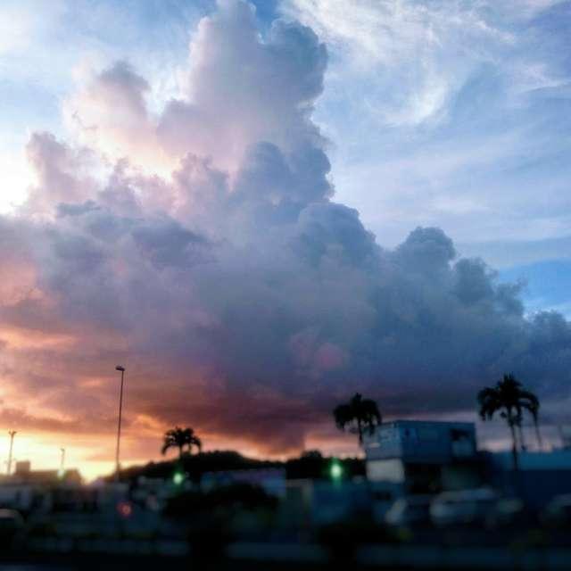 夕陽と青空の境目