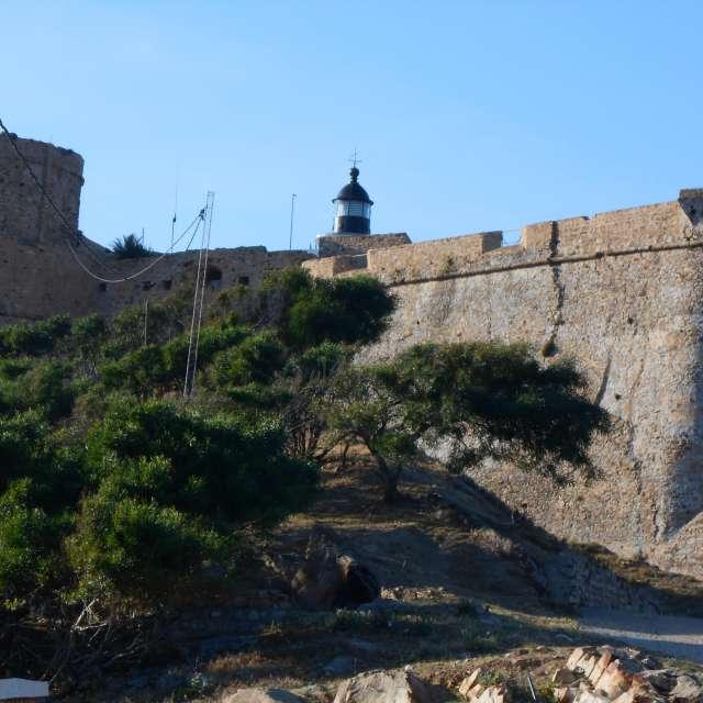 le phare Genoi de Tabarka