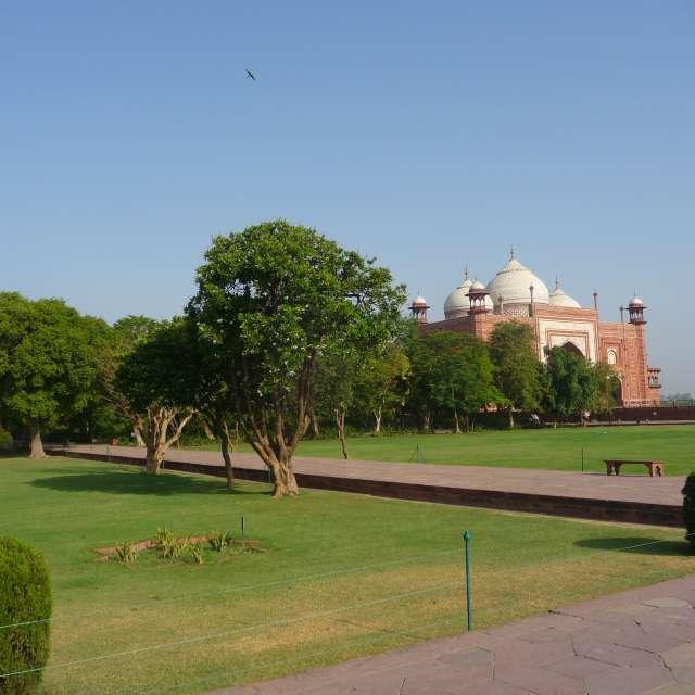 Junto a Taj Mahal