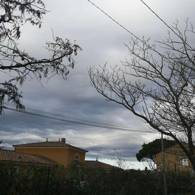 Provence et nuages