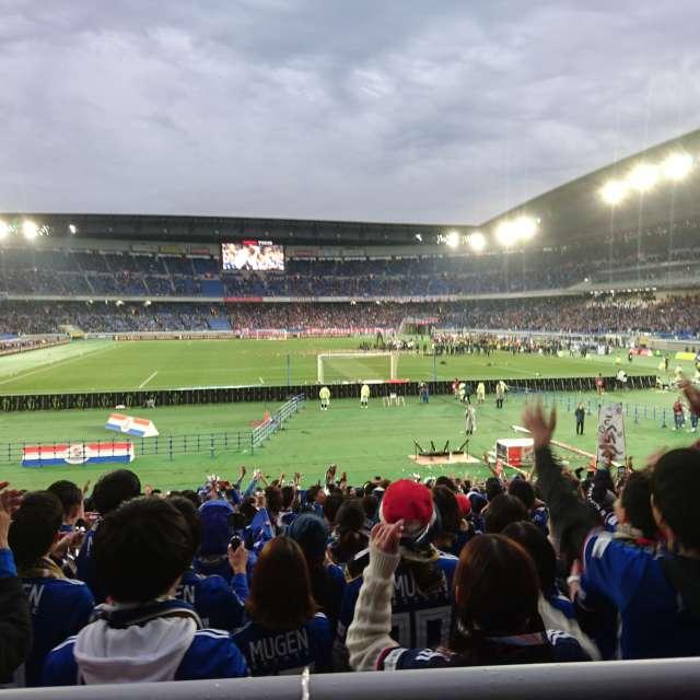 日産スタジアムの曇天
