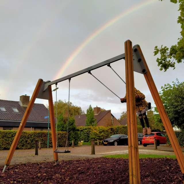 Swinging under the rainbow