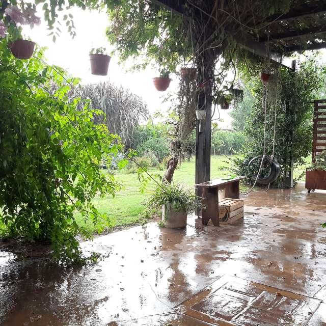 Lluvia y galería