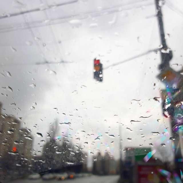 Дождливый день в городе.