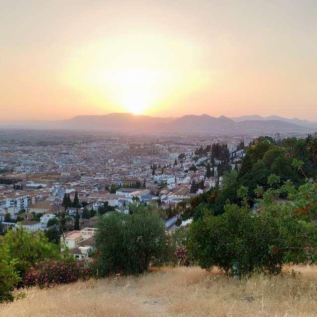 Atardecer con vista de Granada