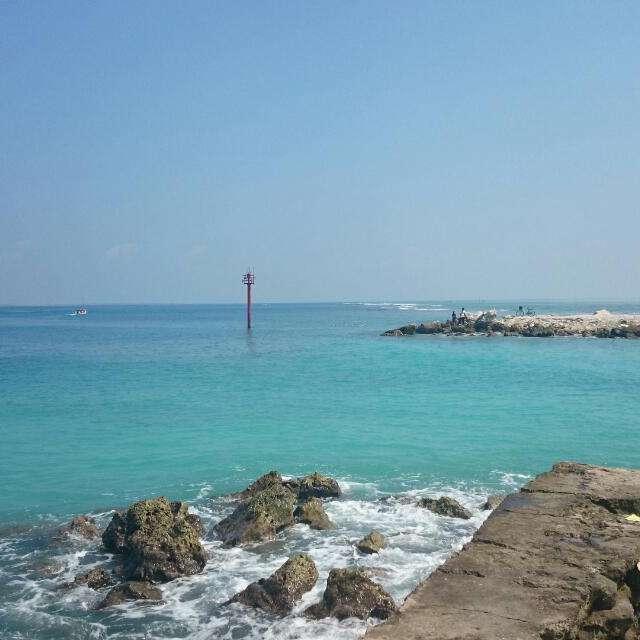 蓝色的海滩