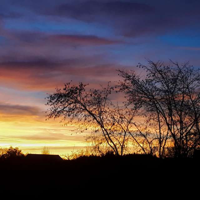 Farbiger Sonnenaufgang