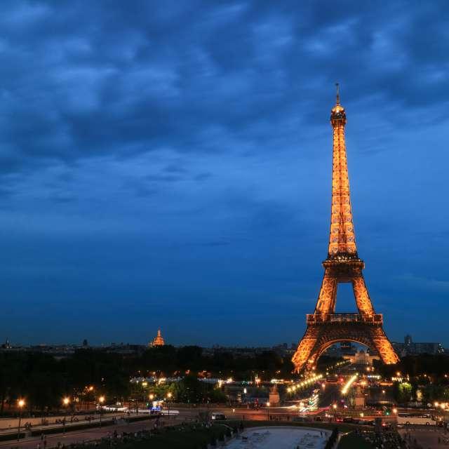 巴黎夏天傍晚
